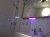 große Walk-In-Dusche mit Regenbrause