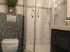 Duschbad mit Handtuch-Heizkörper